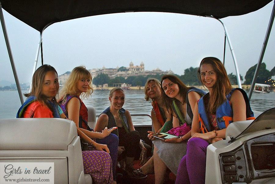Катание на лодке в Индии