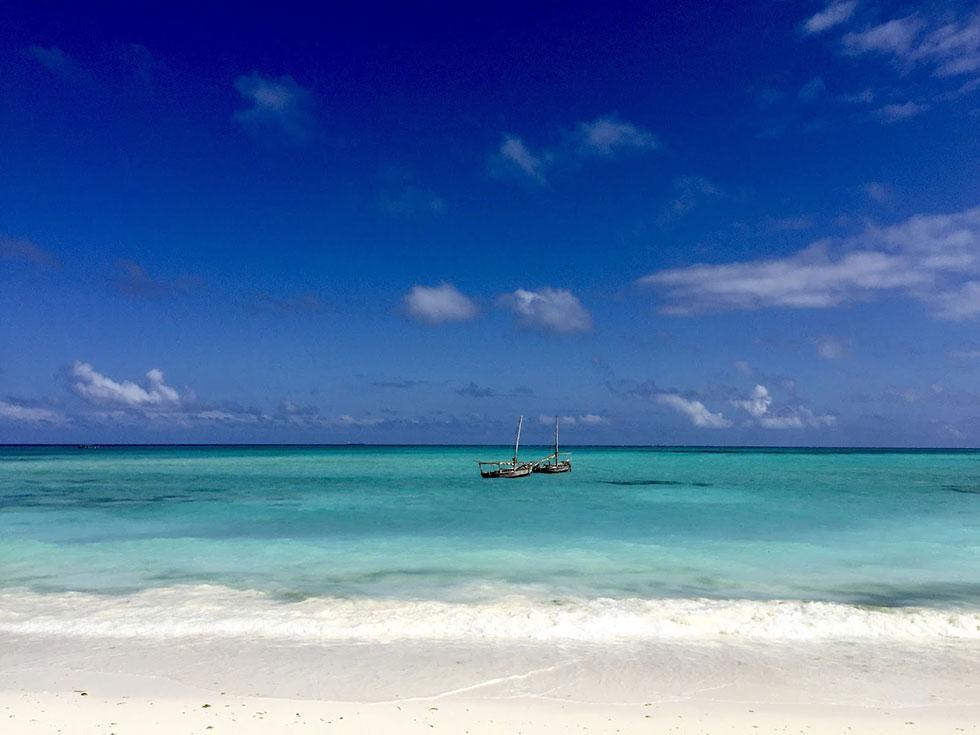 На Кендве отливы не чувствуются совершенно, но Нунгви все же более колоритный и живописный лично для меня.