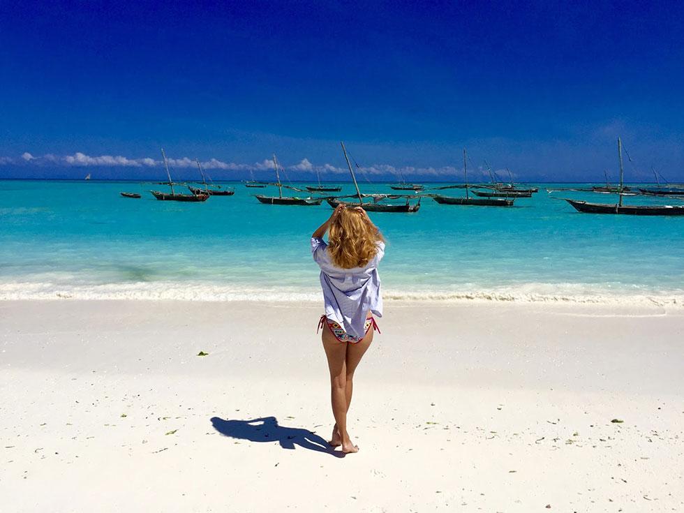 Кендва - широченный пляж и всего несколько отелей.