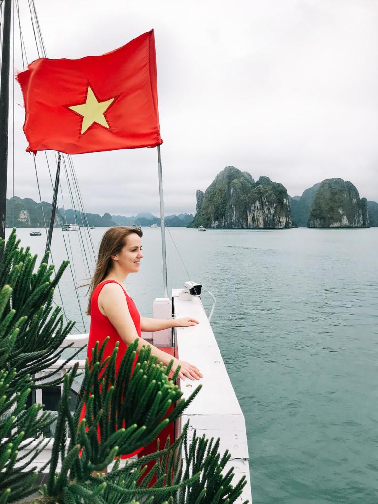 vietnam-girlsintravel-13